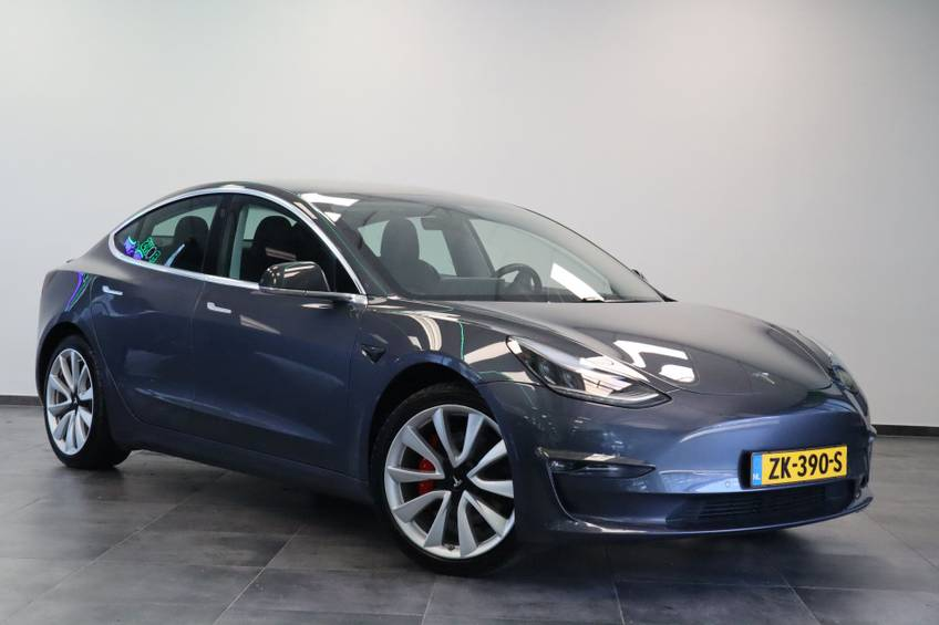 """Tesla Model 3 Long Range   prijs ex.btw 45.889,-   4% 19""""LM Grijs Zwart Performance Look"""