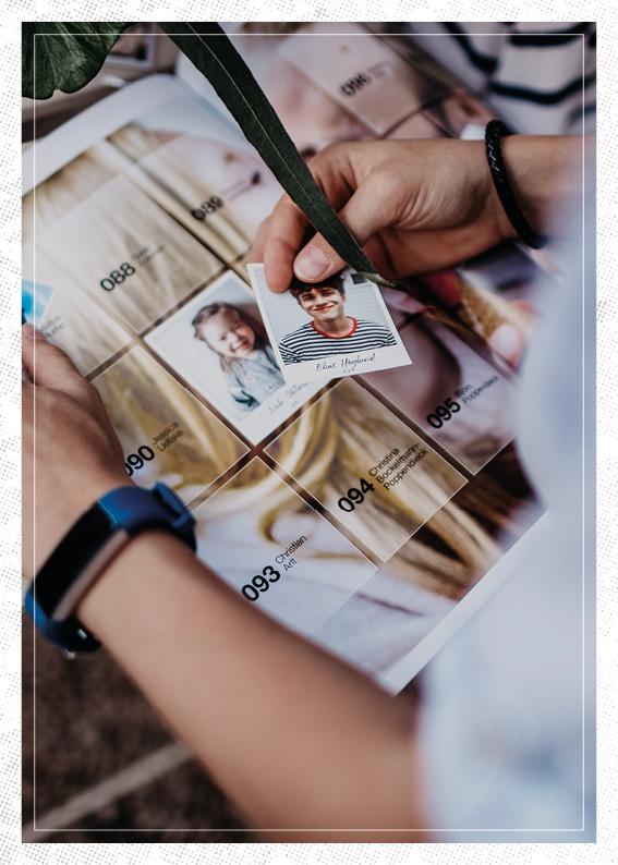 Stickerstars-Sammelerlebnis: Die etwas andere Hochzeitszeitung