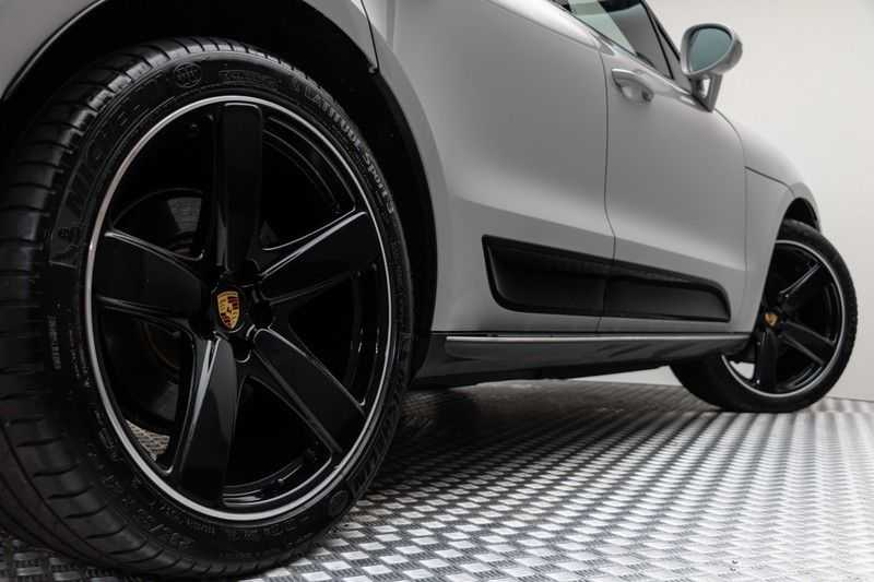 "Porsche Macan 3.0 S 354pk PDK SportDesign Nieuw Model (Krijt) Luchtvering Panoramadak SportChrono ACC Sportleder+Memory Keyless Full-Led Navi/High Privatglass Trekhaak  AppleCarplay 21""Sport Pdc 12/2019 afbeelding 16"