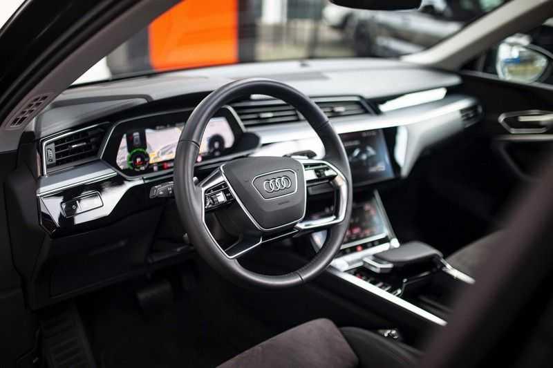 "Audi e-tron Sportback 50 Quattro S Edition *Pano / HUD / 21"" / Stad Pakket / DAB* afbeelding 6"
