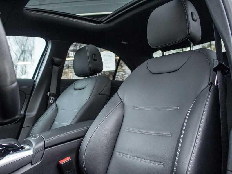 Mercedes-Benz A-Klasse A35 AMG 4MATIC Premium Plus afbeelding 14