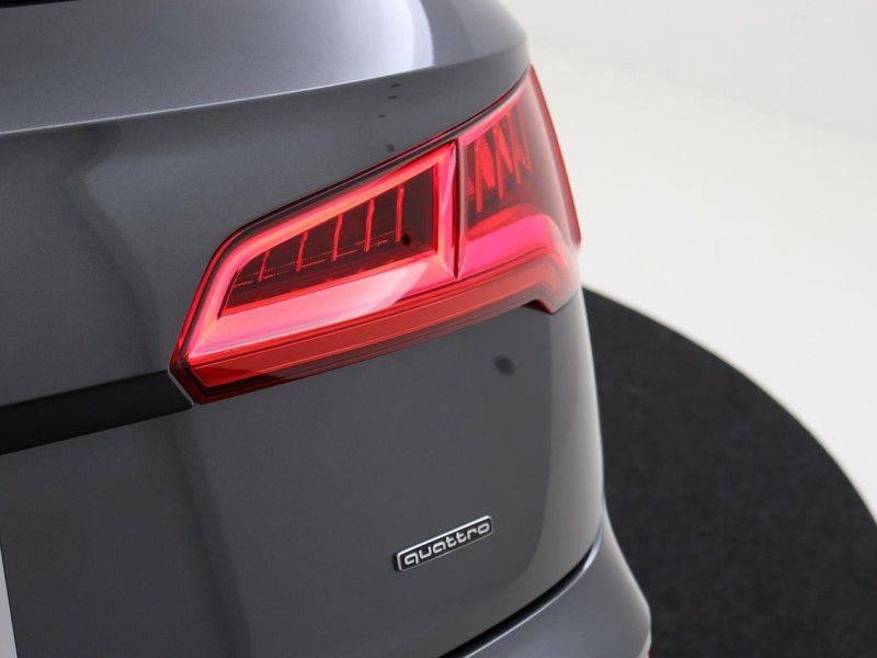 Audi Q5 50 TFSI e 299 pk quattro S edition   S-Line  Assistentiepakket City/Parking/Tour   360* Camera   Trekhaak wegklapbaar   Elektrisch verstelbare/verwambare voorstoelen   Adaptive Cruise Control   Verlengde fabrieksgarantie afbeelding 11