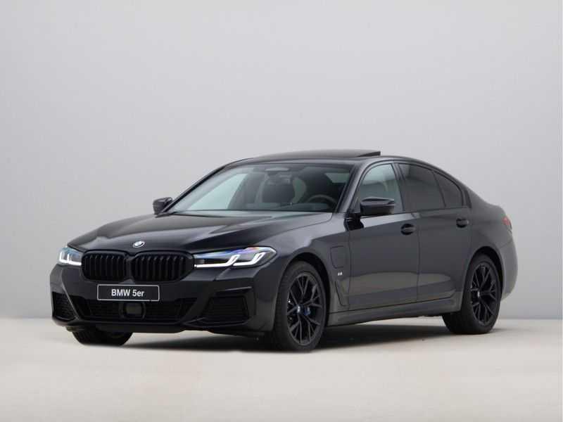 BMW 5 Serie 520e Sedan High Exe M-Sport Hybrid afbeelding 1