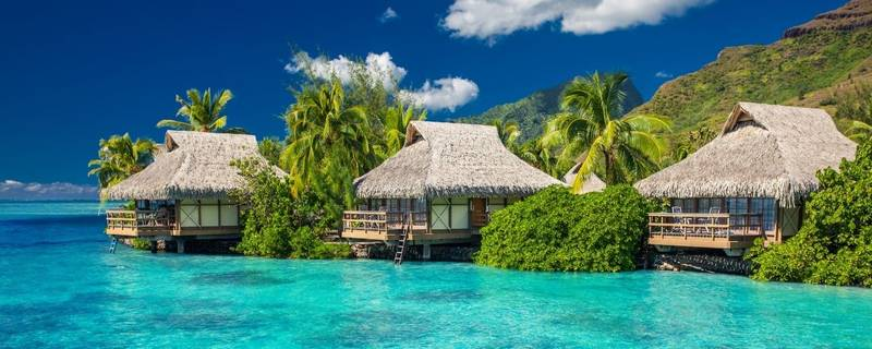 5 Totally Unique Must-Do Experiences You'll Have Sailing in Tahiti