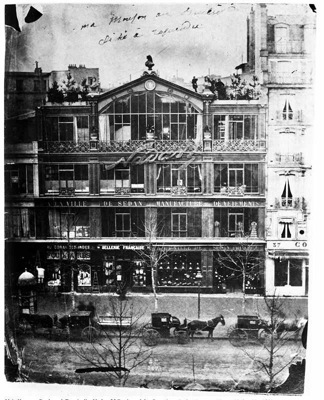 Nadar's Atelier on 35 Boulevard Des Capucines in 1860, the perfect venue for the first impressionist exhibition, due to being large and bright and having floor to ceiling windows