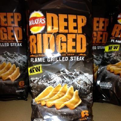 Walkers Deep Ridged Flame Grilled Steak Crisps
