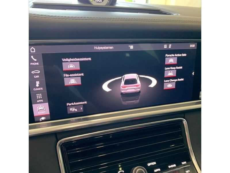 Porsche Panamera Sport Turismo 2.9 4 E-Hybrid   Sportuitlaat   Achteras sturing   Carbon   Stoel koeling   HUD   afbeelding 11