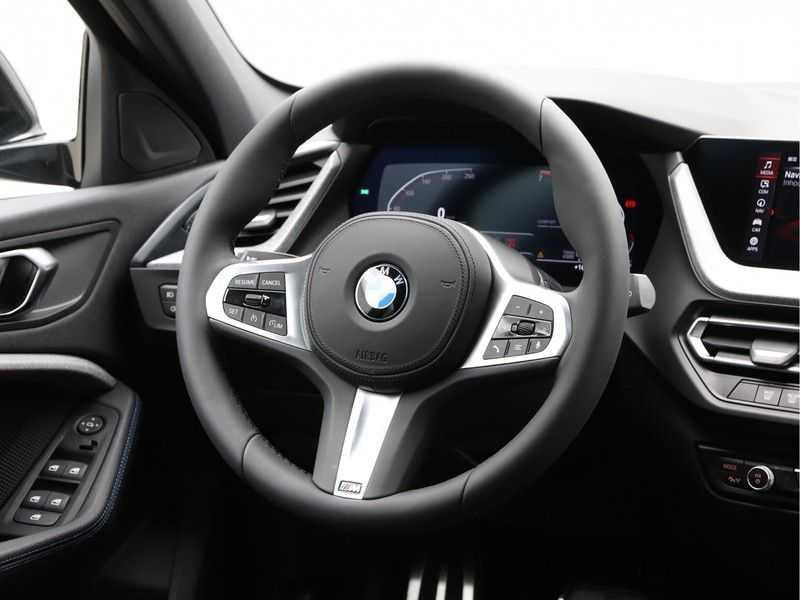 BMW 1 Serie 118i Corporate Executive M Sport afbeelding 6