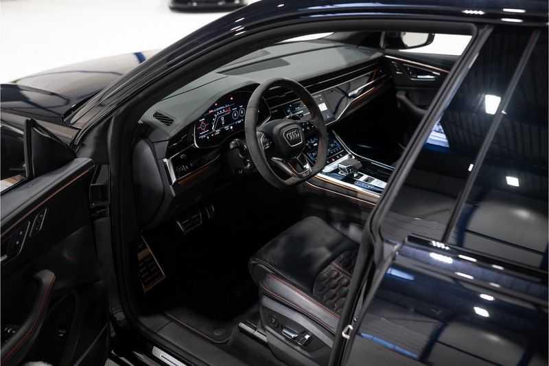 Audi RS Q8 quattro 4.0 TFSI BTW-CARBON-CERAMIC-PANO afbeelding 8