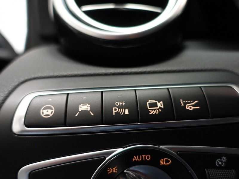 Mercedes-Benz GLC 250D 4MATIC 9G- AMG Night Edition, Pano, Rijassistentiepakket,Leer, Full afbeelding 12