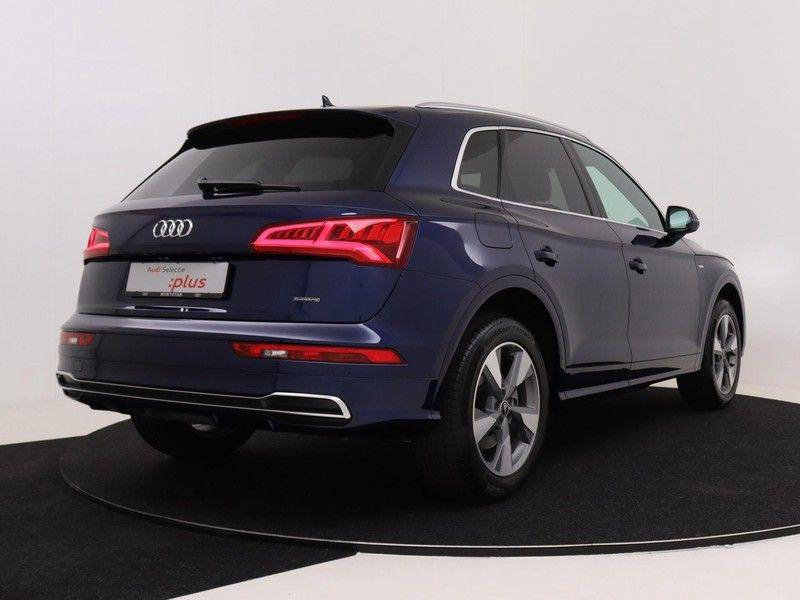 Audi Q5 50 TFSI e 299 pk quattro S edition   S-Line   Elektrisch verstelbare stoelen   Trekhaak wegklapbaar   Privacy Glass   Verwarmbare voorstoelen   Verlengde fabrieksgarantie afbeelding 5