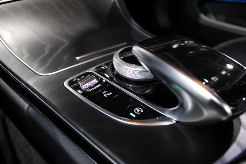 Mercedes-Benz C-Klasse Cabrio 180 Edition 1 AMG styling aut. afbeelding 11