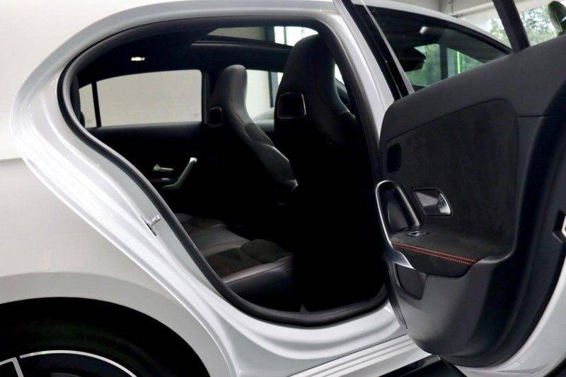 Mercedes-Benz A-Klasse A35 AMG 4MATIC Pano Aerodynamic WIDEScreen Pano Aerodynamic WIDEScreen afbeelding 17