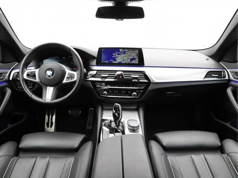 BMW 5 Serie 520i High Executive M-Sport afbeelding 14