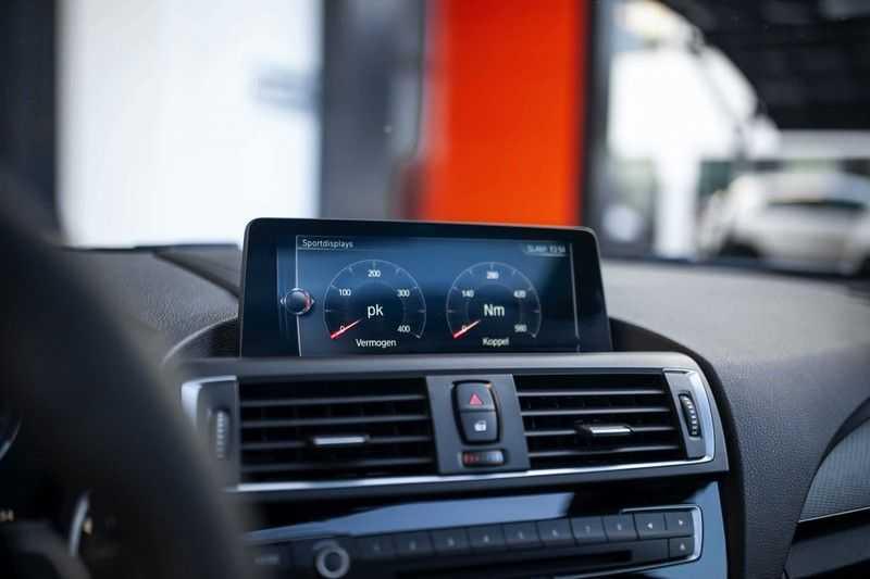 BMW M2 Coupé DCT *M-Performance uitlaat / LED stuur / H&K / Comp. velgen* afbeelding 2