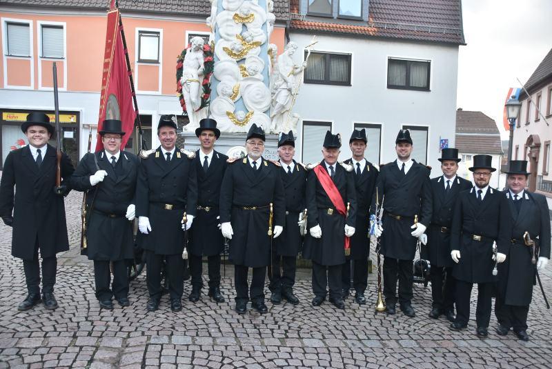 Alle Offiziere nach dem Festgottestdienst 2018 an der Dreifaltigkeitssäule