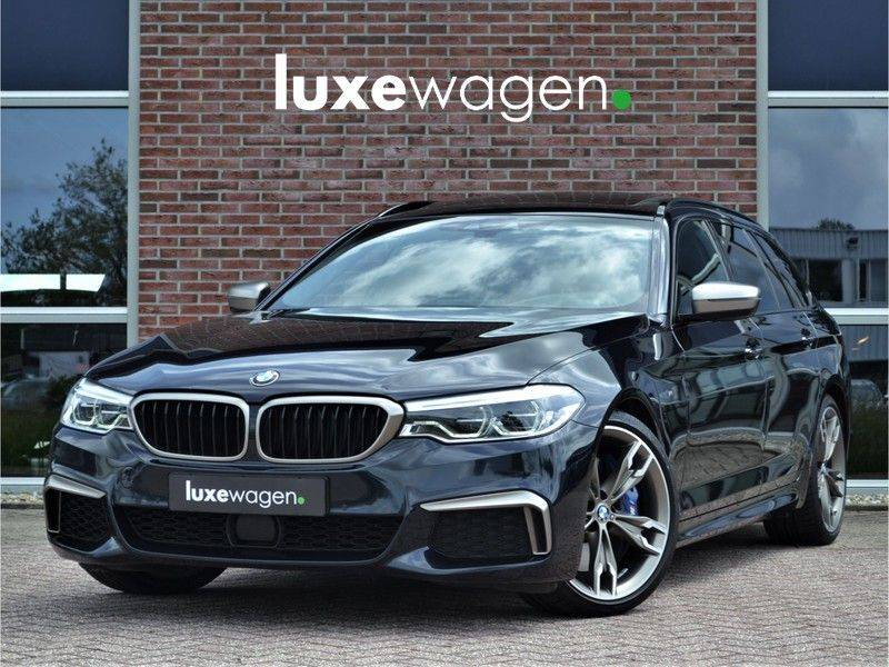 BMW 5 Serie Touring M550d xDrive 400pk Pano Standk ACC 20inch Adp-LED HUD afbeelding 1