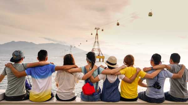 5 Tips To Meet People Abroad
