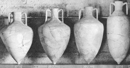 Amphoras for goods transporting in 1500 B.C.