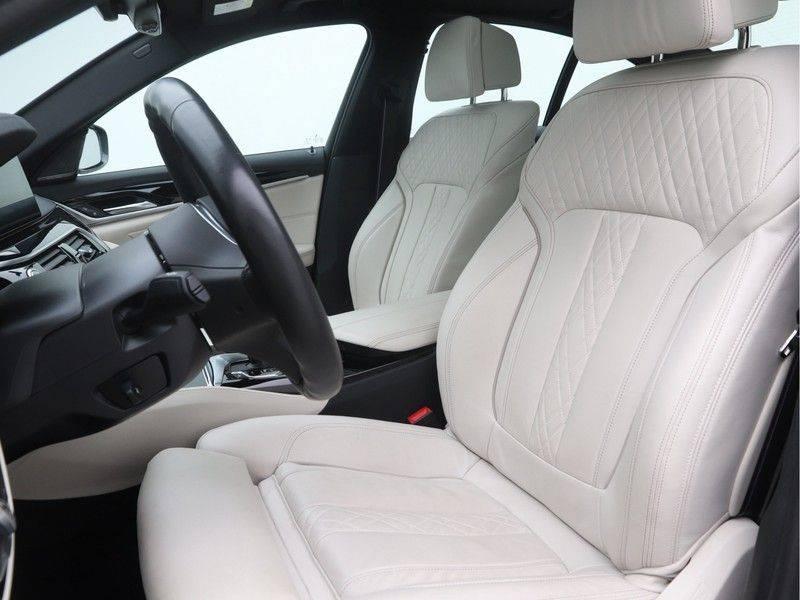 BMW 5 Serie Sedan 540i High Executive M-Sport Automaat afbeelding 5