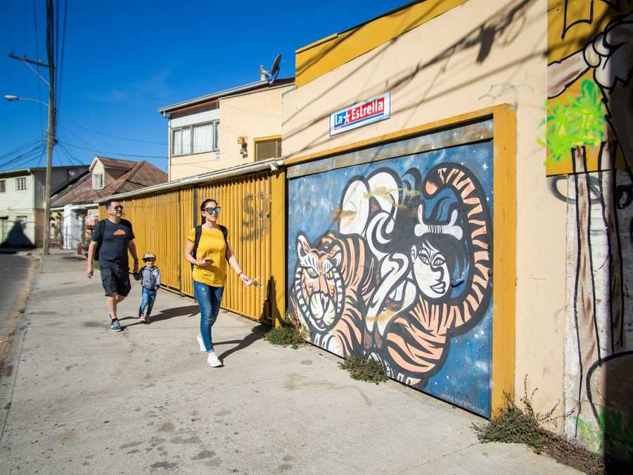 Showing family our favorite spots in Valparaiso