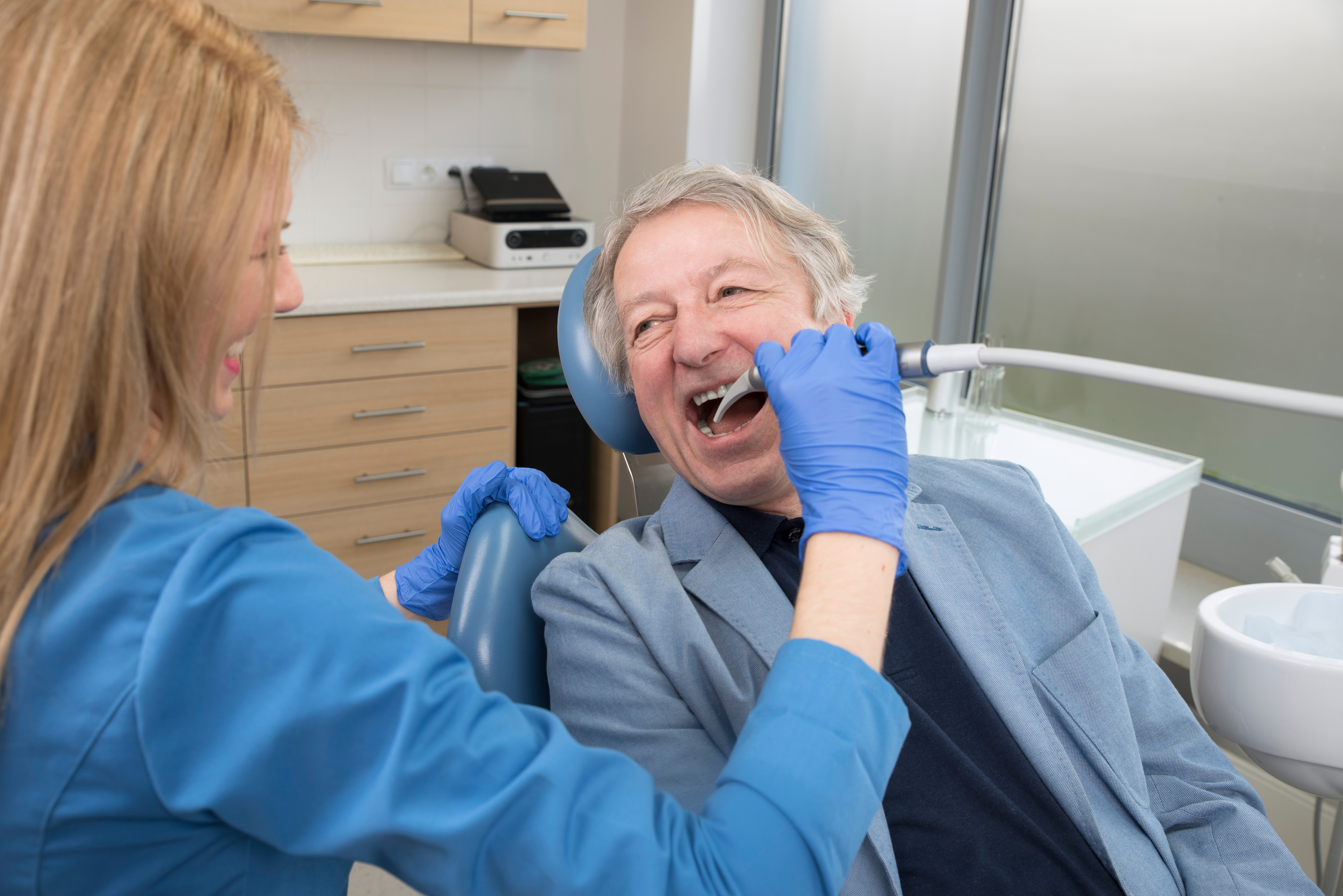 Find a top-rated dentist nearby