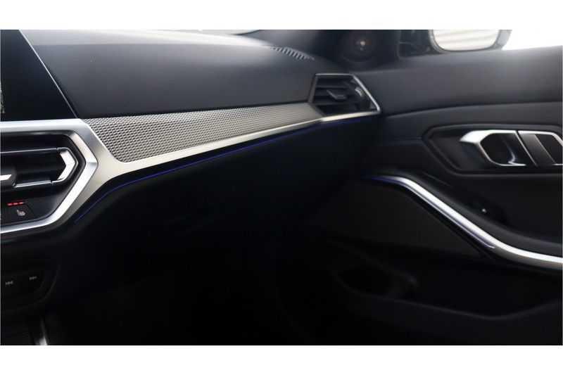 BMW 3 Serie 330i High Executive M-Sport Leder, Schuifdak, Harman/Kardon afbeelding 7