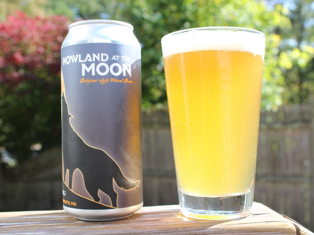 A 16oz can of Howland at the Moon poured into a pint glass