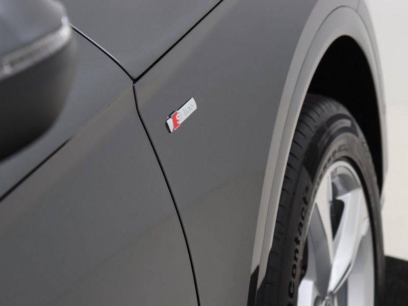 Audi Q5 50 TFSI e 299 pk quattro S edition   S-Line  Assistentiepakket City/Parking/Tour   360* Camera   Trekhaak wegklapbaar   Elektrisch verstelbare/verwambare voorstoelen   Adaptive Cruise Control   Verlengde fabrieksgarantie afbeelding 13
