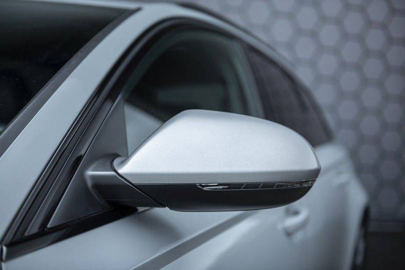 Audi RS6 Performance Pro Line Plus 4.0 TFSI quattro 605PK BTW + Keramisch + Carbon + Nardo Grey + Panoramadak + 4 nieuwe banden afbeelding 7