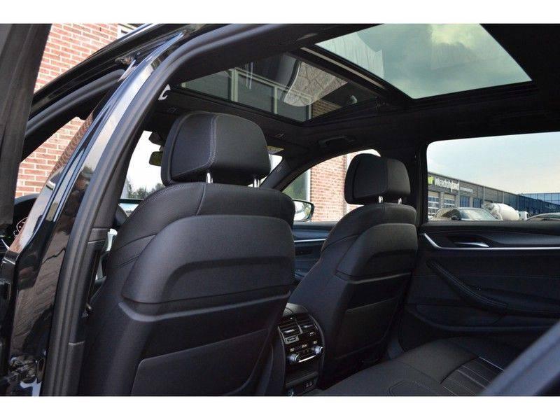 "BMW 5 Serie Touring 530d 286pk M-Sport Pano DA+ PA+ Laser 21"" Adp-drive HUD afbeelding 8"