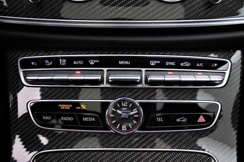 Mercedes-Benz E-Klasse 63 S AMG 4Matic-plus|kuipstoelen|pano|carbon afbeelding 4