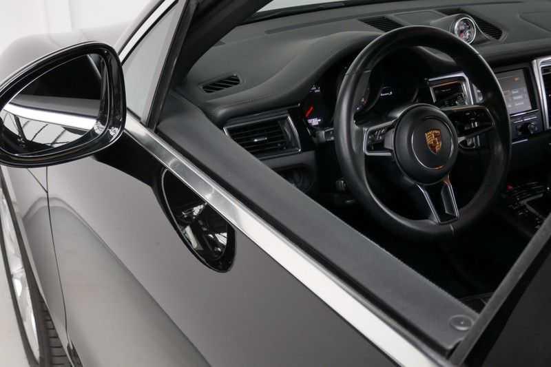 Porsche Macan 3.0 S Panorama - Luchtvering afbeelding 19