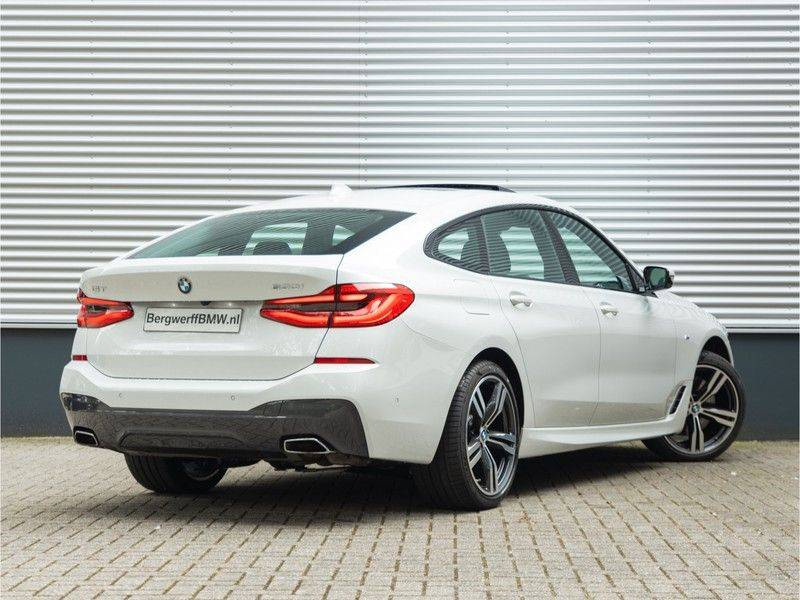 BMW 6 Serie Gran Turismo 630i High Executive - M-Sport - Luchtvering - Facelift - Panorama afbeelding 2