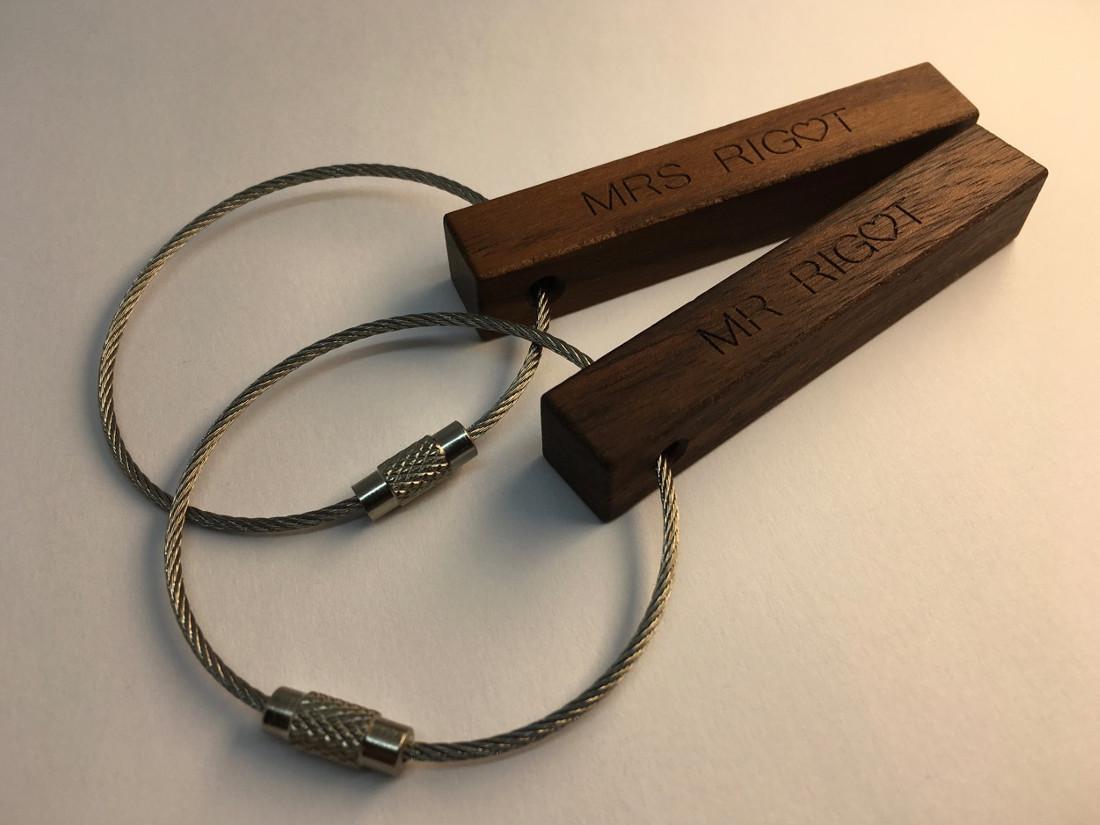 Diese Schlüsselanhänger ersetzen klassische Tischkärtchen bei Ihrer Taufe, einem runden Geburtstag oder auf Ihrer Hochzeit.