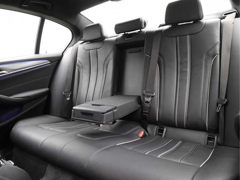 BMW 5 Serie 520i High Executive M-Sport afbeelding 11
