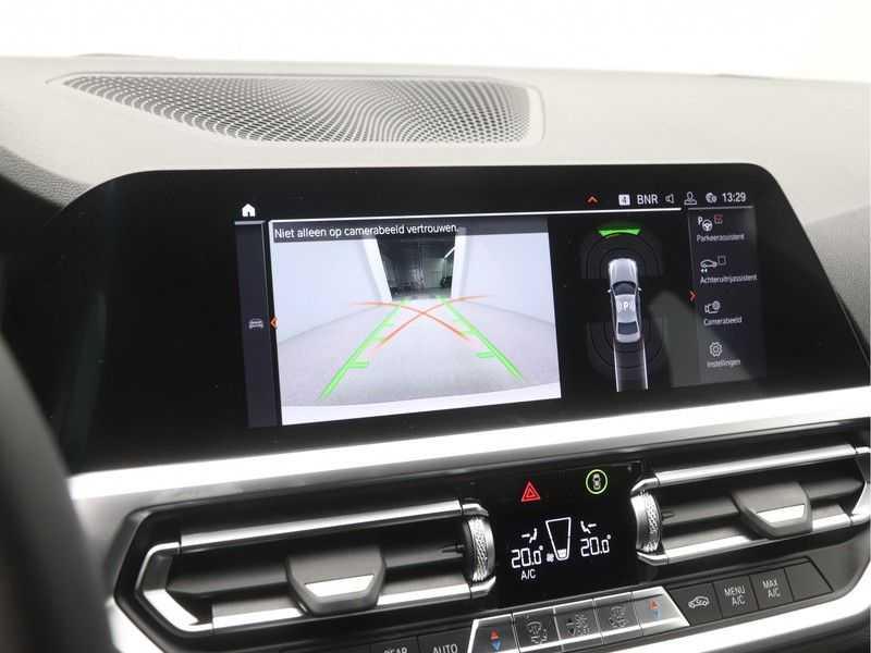 BMW 3 Serie Sedan 318i Executive Sport Line Automaat afbeelding 20
