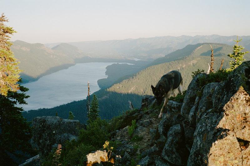 Lake views along the Snoqualmie pass