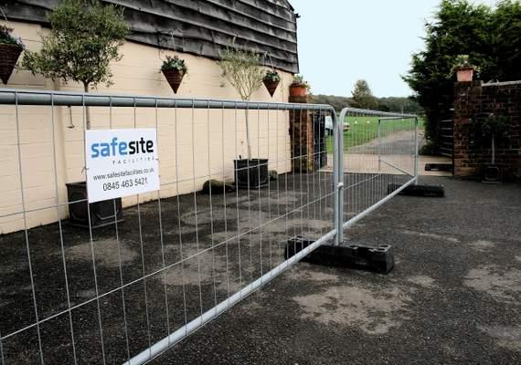 3.5m Pedestrian barriers