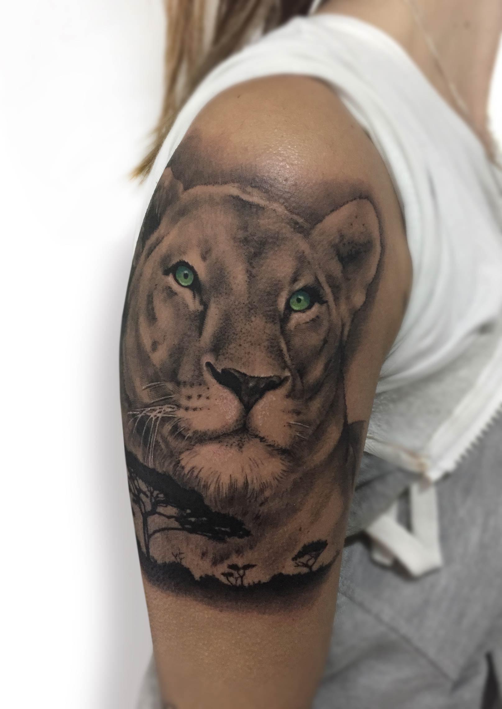 tatuaje leona