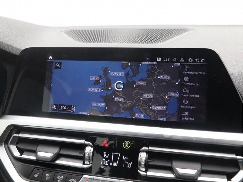 BMW 3 Serie Sedan 330e High Executive M-Sport Automaat afbeelding 18