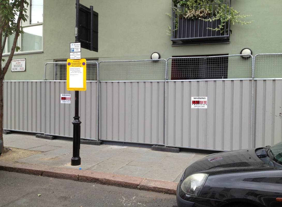 Temporary steel hoarding - grey