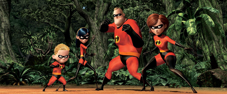A família Pêra se prapara para lutar no meio de uma floresta.