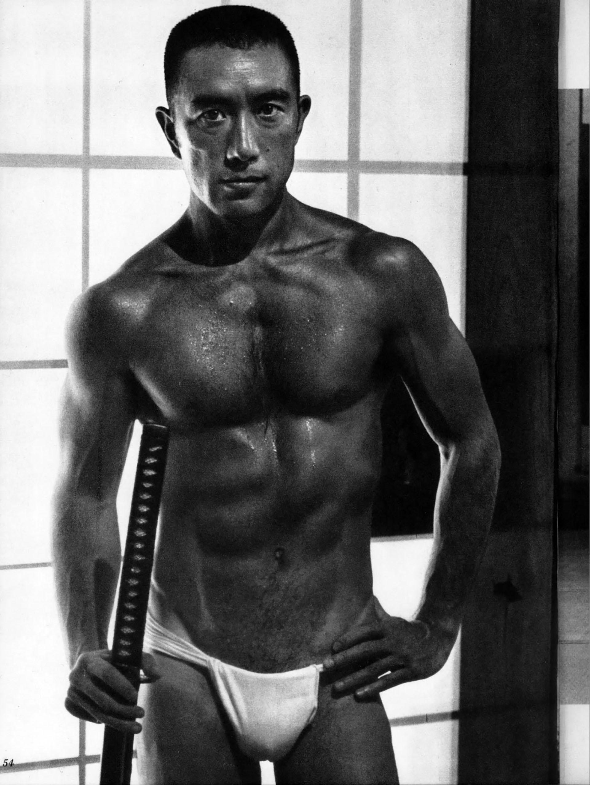 Юкио Мисима после курса тренировок. Фото: infobae.com