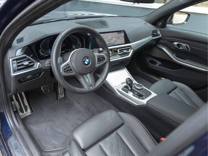BMW 3 Serie 330e M-Sport - Individual - Dak - ACC - Harman Kardon - Trekhaak afbeelding 12