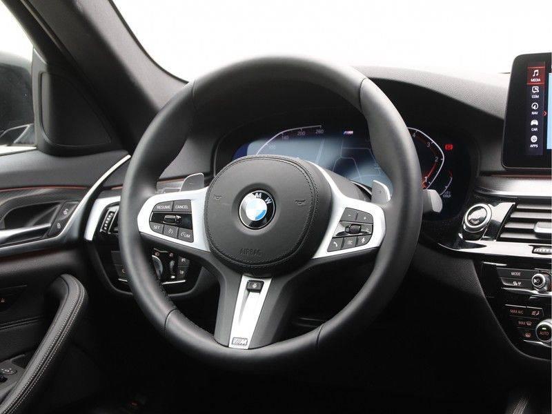 BMW 5 Serie 520d Sedan High Exe M-Sport afbeelding 2