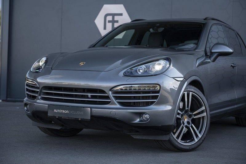 Porsche Cayenne 3.0 D Platinum Edition Org. Ned. + Dealer onderhouden + Sportchrono + Stuur/ Stoel verwarming+ Stoel koeling + Bose afbeelding 8