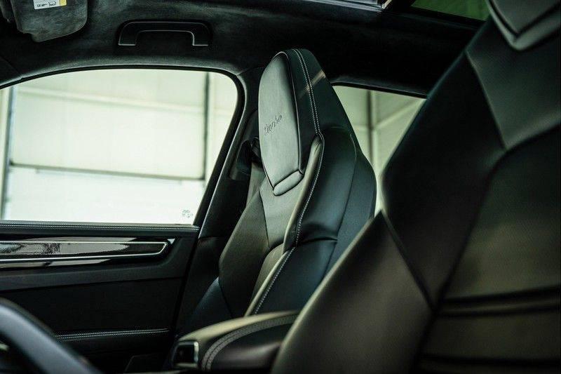 Porsche Cayenne 4.0 Turbo   Head-Up   Carbon   Panorama   3D Camera   BOSE   Trekhaak   Afwijkende stikselkleur   Stoelventilatie   NP 252.000! afbeelding 13
