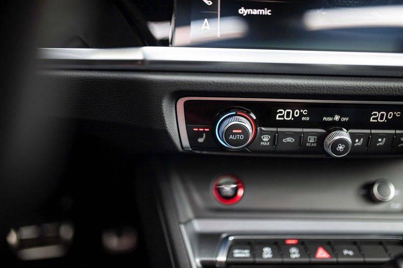 Audi RS Q3 2.5 TFSI Quattro *B&O / Pano / ACC / RS Sportstoelen / Sportuitlaat / Trekhaak* afbeelding 21