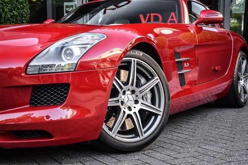 Mercedes-Benz SLS SLS AMG EXCLUSIVE DESIGNO+CAMERA (571 PK) afbeelding 4